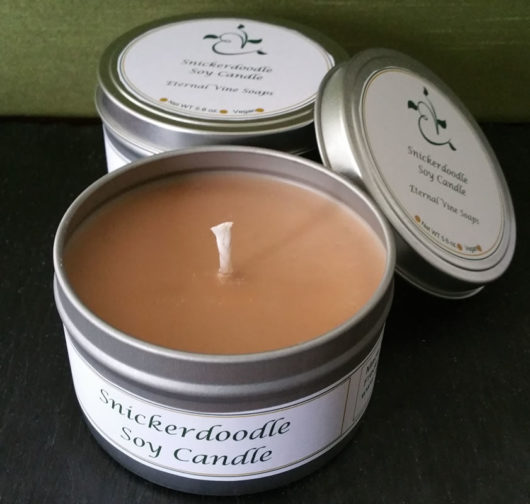 Snickerdoodlge Candle Tin Open